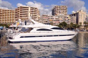 Astondoa 72 Mallorca Charter