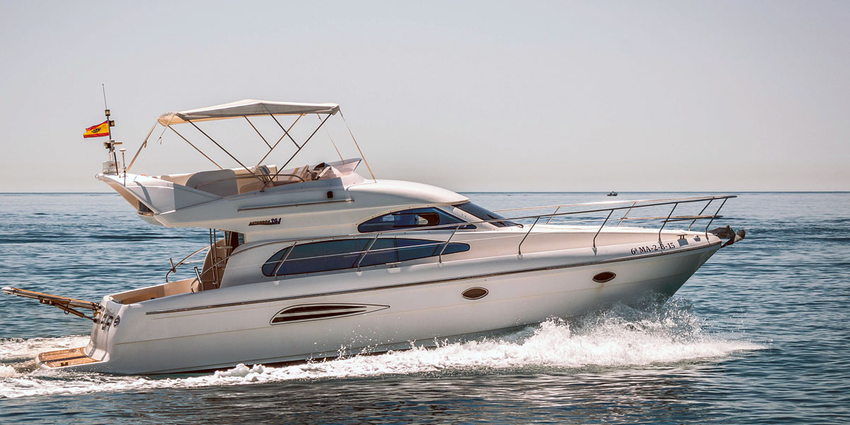 Astondoa 40 Flybridge Boat Charter from Puerto Banus