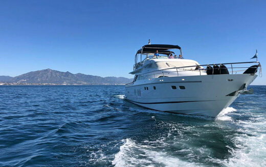 Luxury boat charter in Marbella - Fairline Squadron 78
